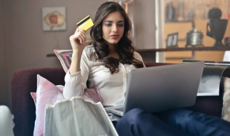 5 Benefits Of E-Commerce Online Selling Product Websites